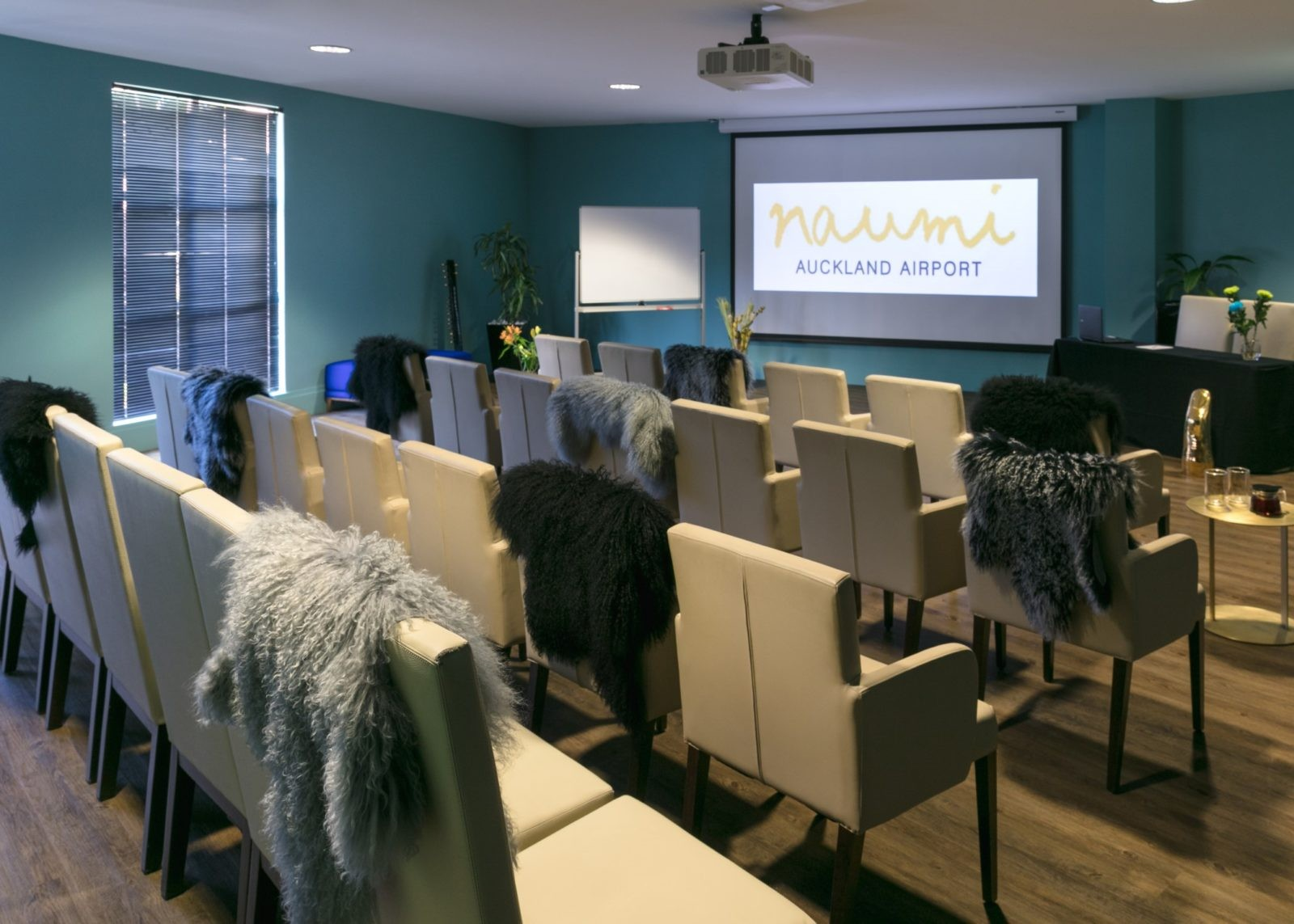 Naumi, hotel, airport, auckland, boardroom, conference, meeting, space, function, event, planning, corporate, rooms